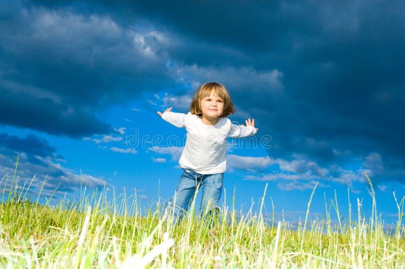 Enfant Courant Photos libres de droits