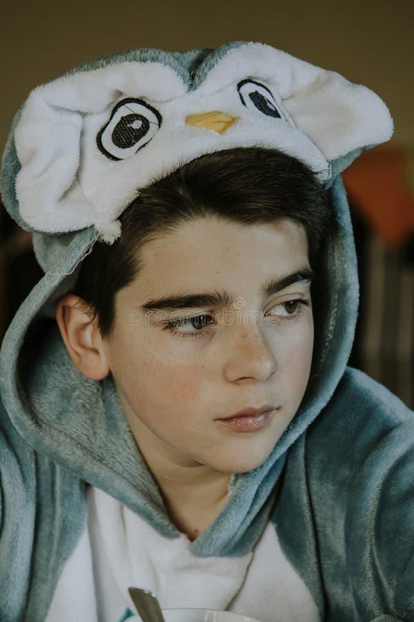 Enfant déguisé par portrait image libre de droits