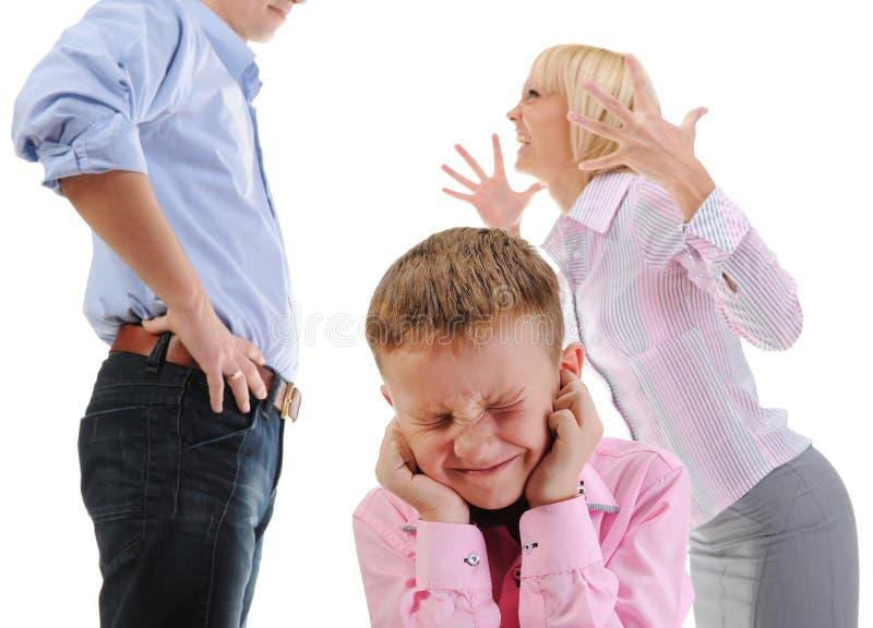 Enfant d'action de parents. image stock