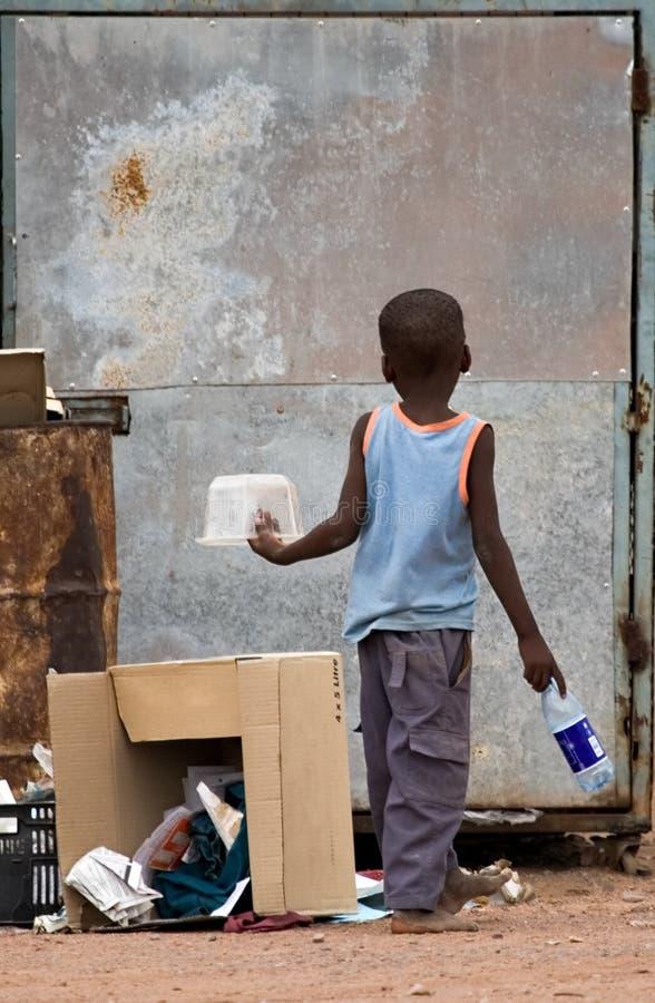 Enfant d'Africain de pauvreté photo libre de droits