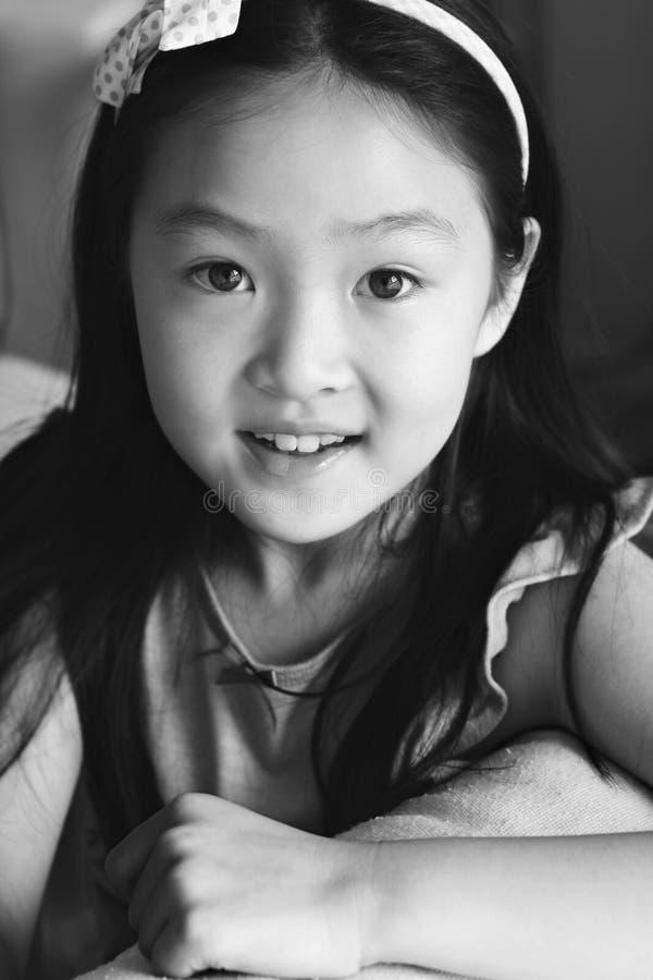 Enfant d'Asiatique de verticale photo libre de droits