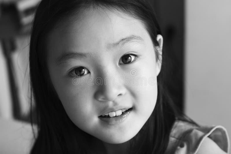 Enfant d'Asiatique de verticale photographie stock