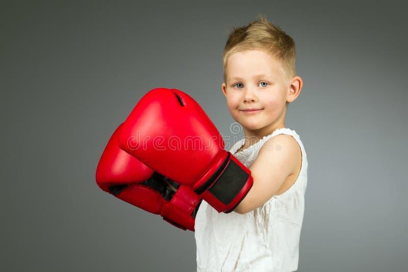 Enfant de boxe photos stock
