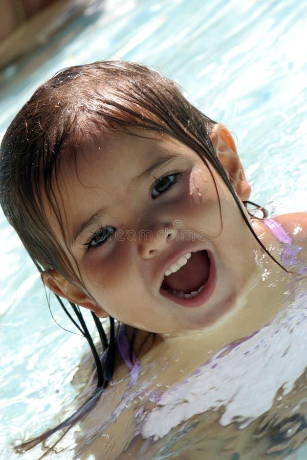 Enfant de l'eau image libre de droits