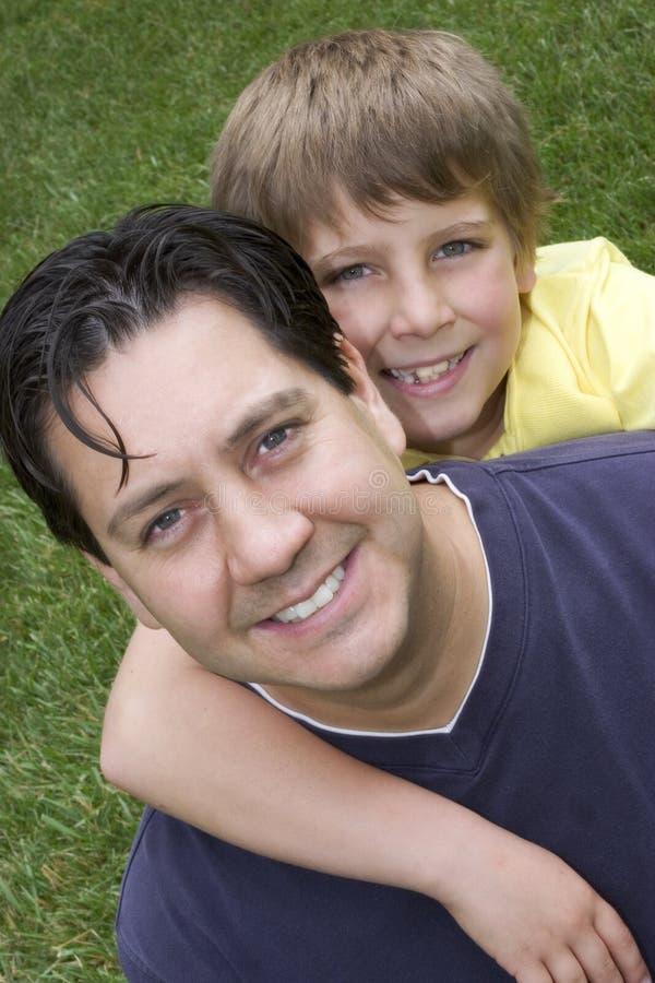 Enfant de parent image stock