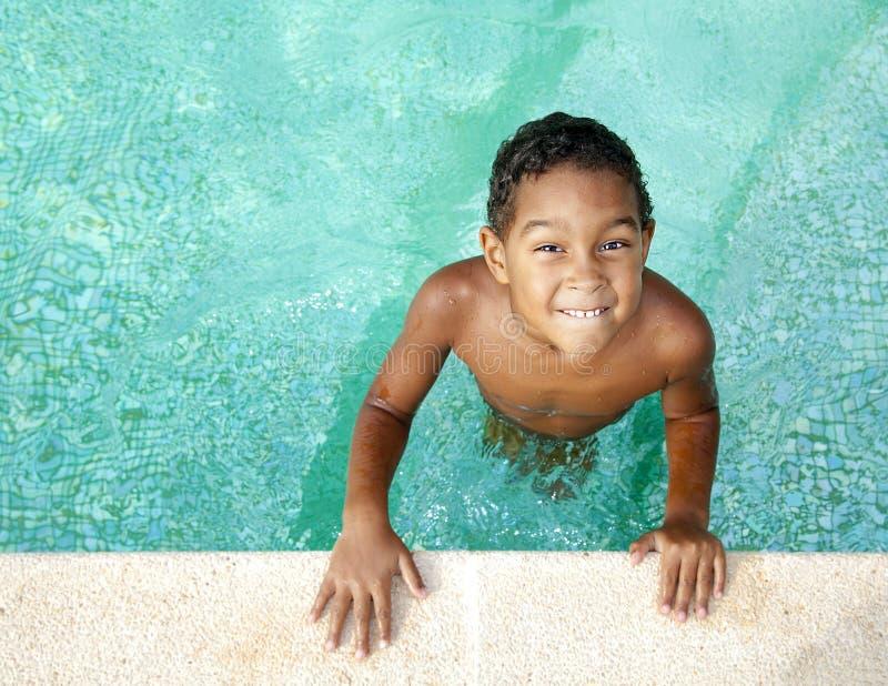 Download Enfant en été image stock. Image du gosse, enfant, bleu - 45355697