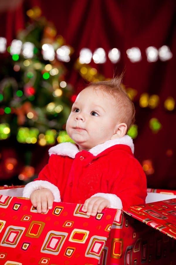 Enfant en bas âge dans le costume de Noël images libres de droits