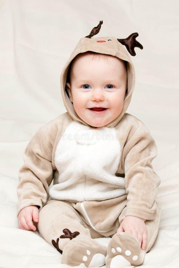 enfant en bas âge de cerfs communs de costume images stock