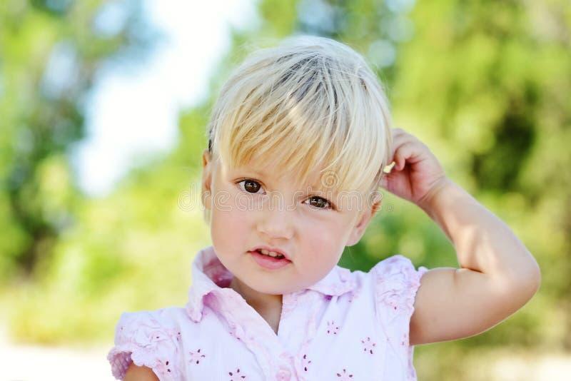 Enfant en bas âge doux photos stock