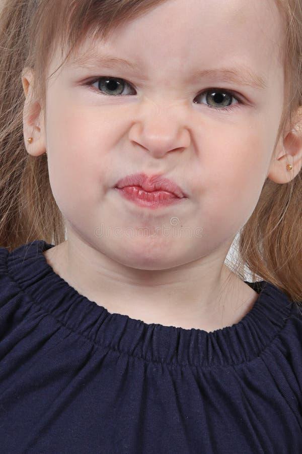 Enfant en bas âge féminin fâché images stock