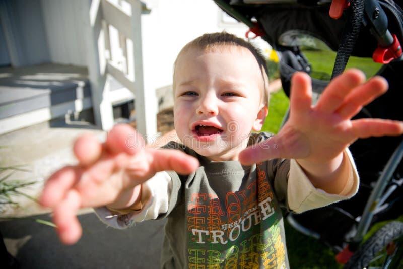 Enfant en bas âge heureux photos stock