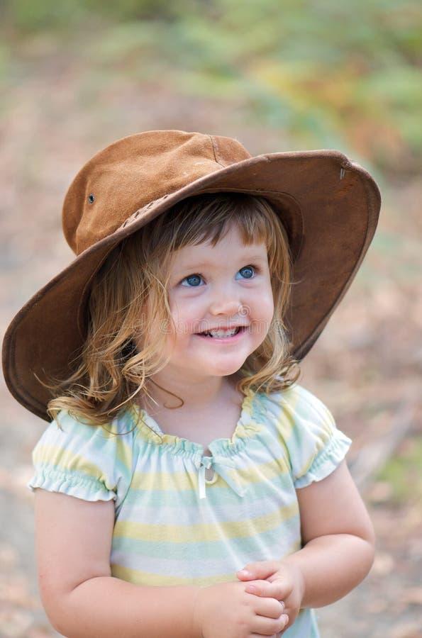Enfant en bas âge heureux adorable photographie stock libre de droits