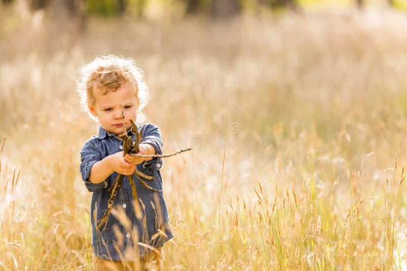 Download Enfant en bas âge mignon photo stock. Image du montagne - 45355864