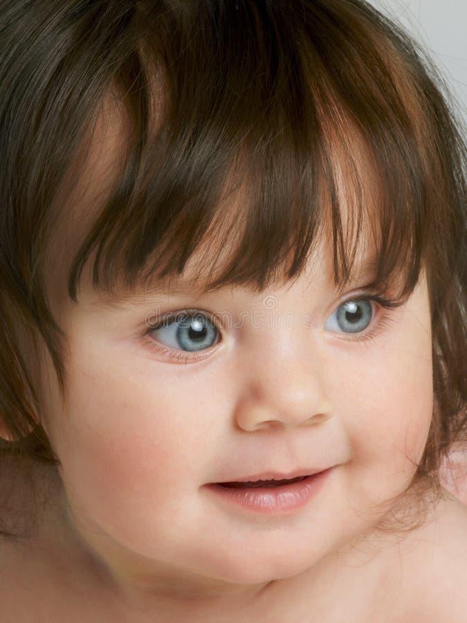 Enfant en bas âge observé bleu photographie stock libre de droits