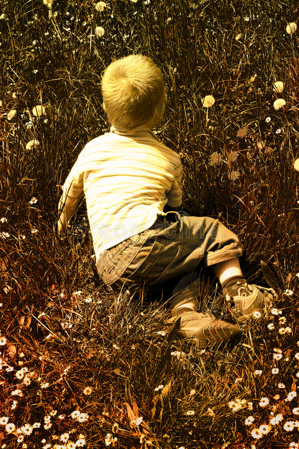 Enfant en nature photographie stock