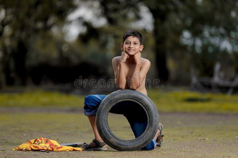 Enfant indien rural photographie stock