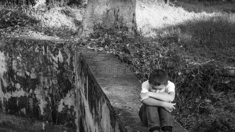 enfant maltraité photo libre de droits
