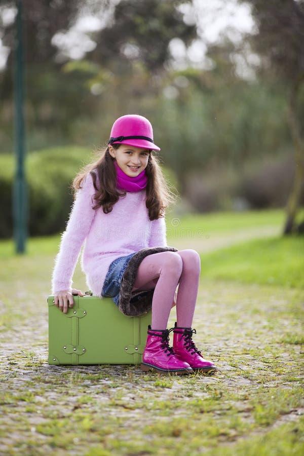 Enfant prêt pour le voyage image libre de droits