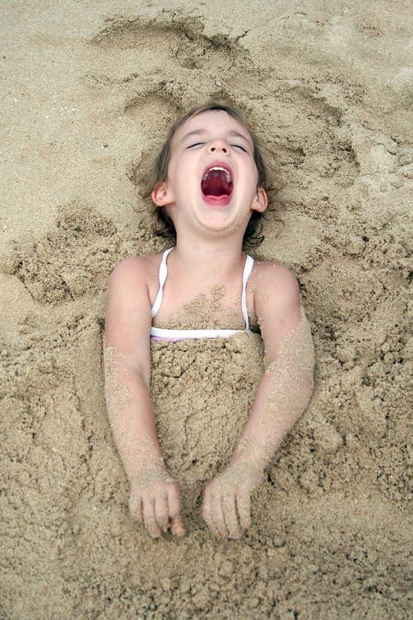 Enfant riant images libres de droits