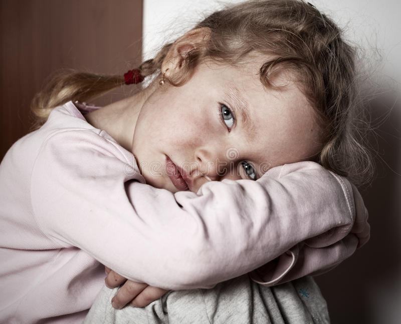Enfant triste photos stock