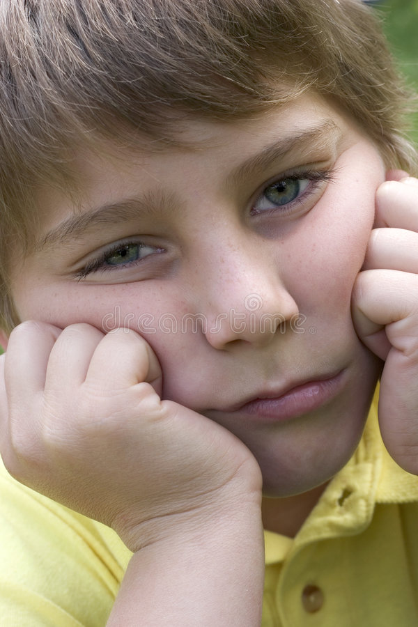 Enfant triste photo stock