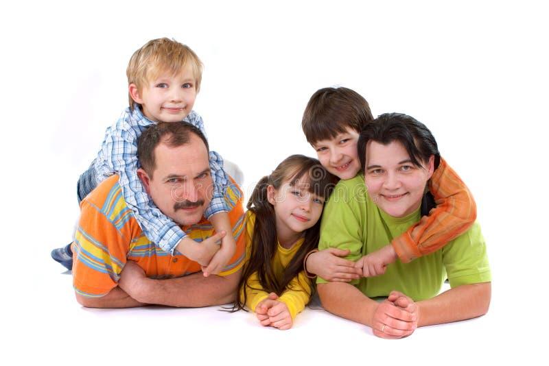 Enfants avec des parents photo libre de droits