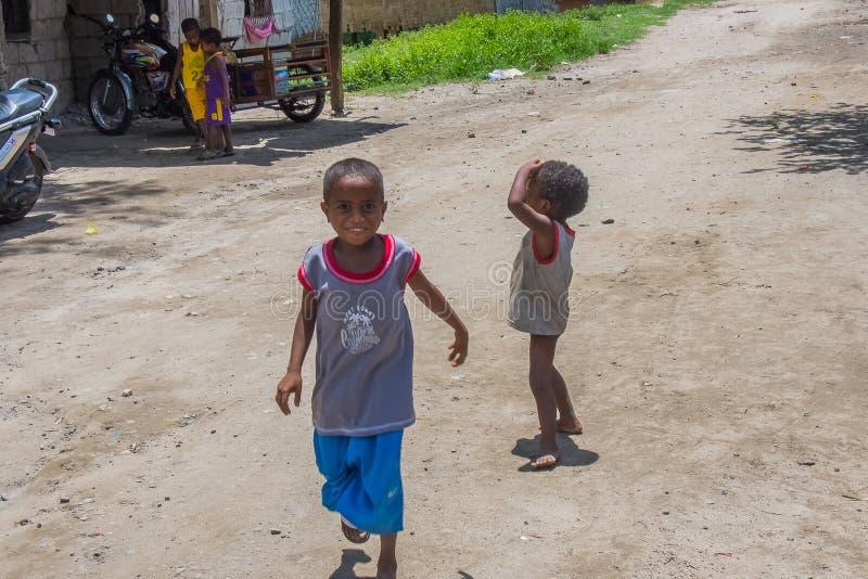 Enfants d'Aeta de village de Sapang Uwak images stock