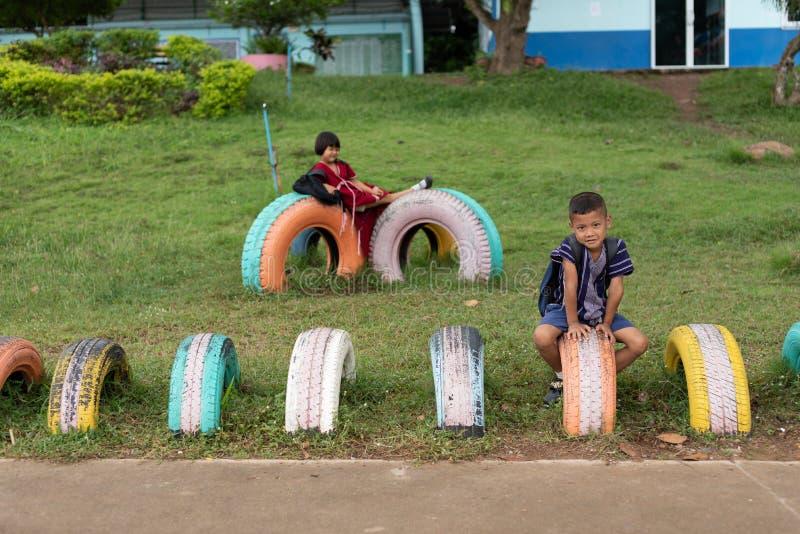 Enfants de Karen d'école de Banbongtilang photos stock