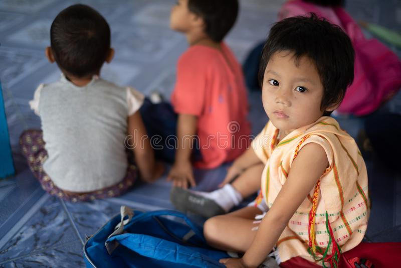 Enfants de Karen d'école de Banbongtilang image libre de droits