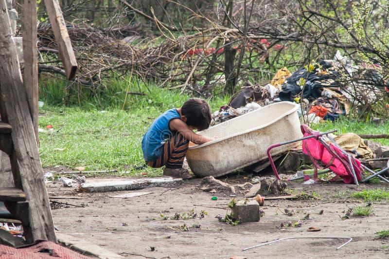 Enfants de Roma sans abri photos libres de droits