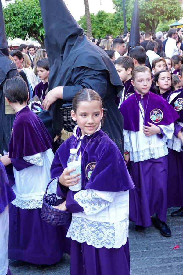 Enfants de Semana Santa à Séville, Andalousie photo libre de droits