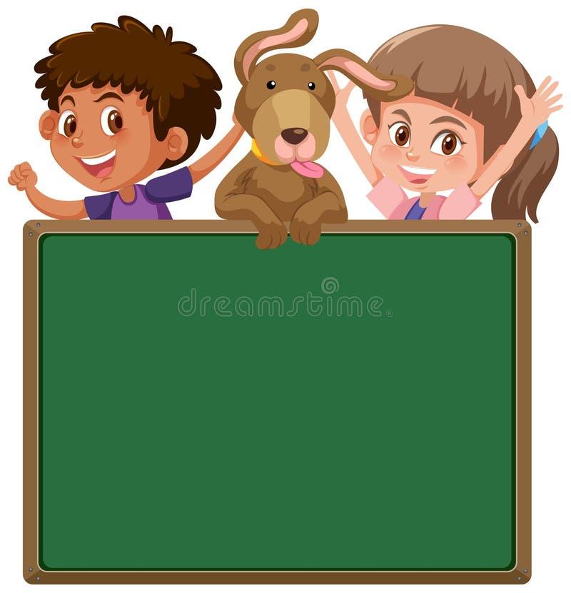 Enfants et chien derrière le tableau noir illustration stock