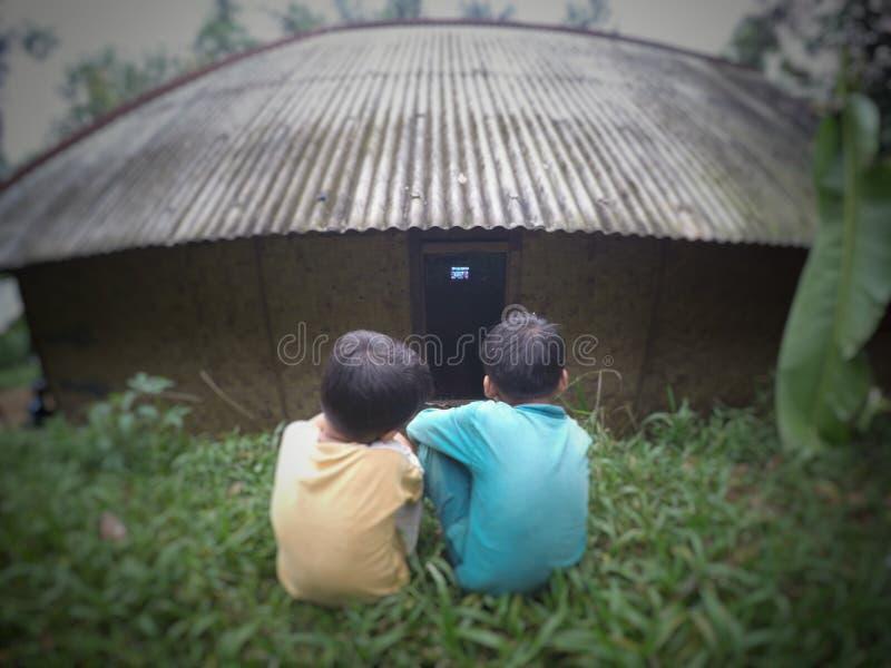 Enfants gratuits de TV images stock