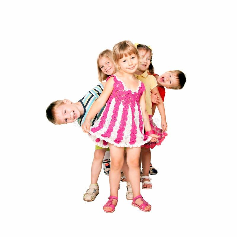 Enfants jouant et ayant l'amusement images libres de droits