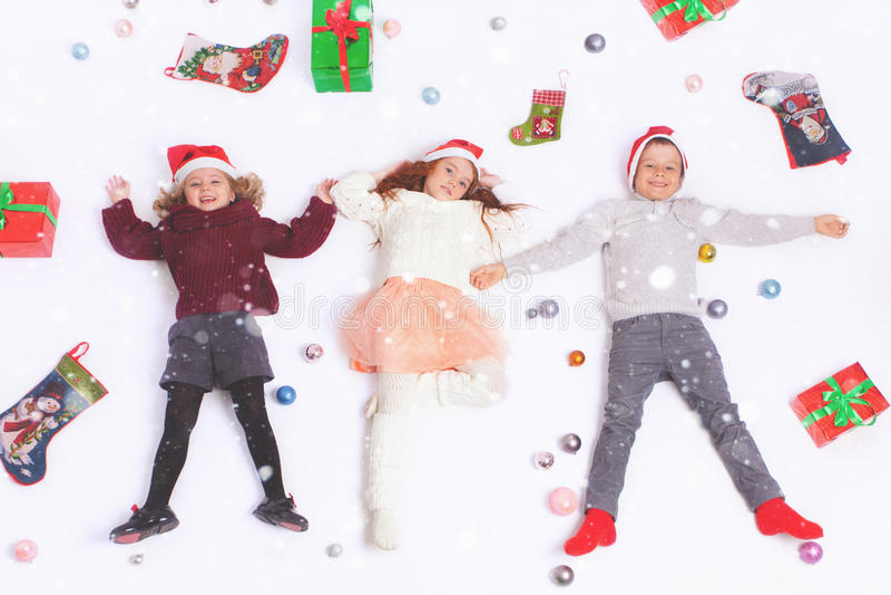 Enfants 2016 mignons de Black Friday de Joyeux Noël petits image stock