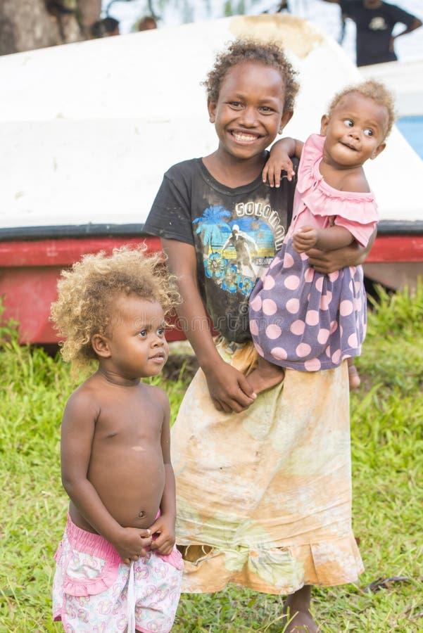 Enfants mignons sur Solomon Islands photos stock
