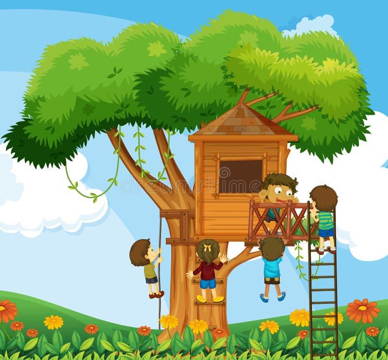 Enfants montant la cabane dans un arbre dans le jardin illustration libre de droits