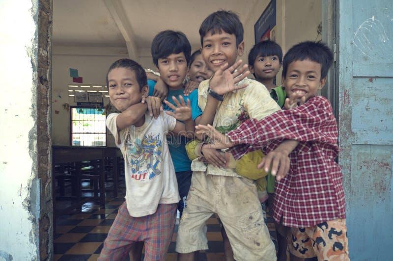 enfants s du Cambodge photos stock