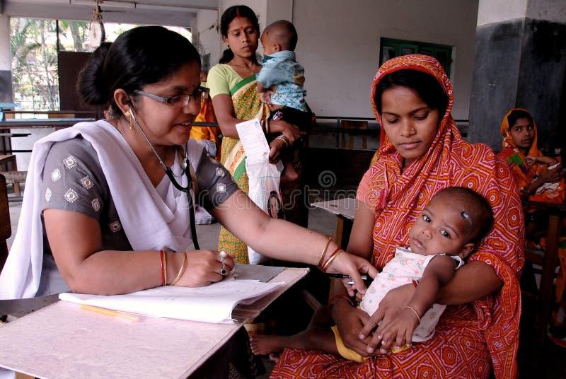 Enfants sous-alimentés en Inde images stock
