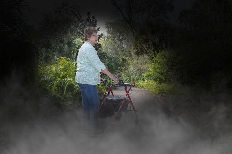 Enfermedad de Alzheimer, demencia, Eldery, mujer mayor fotografía de archivo libre de regalías