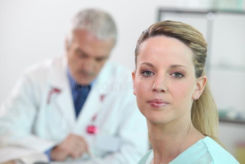Enfermeira dos jovens fotografia de stock