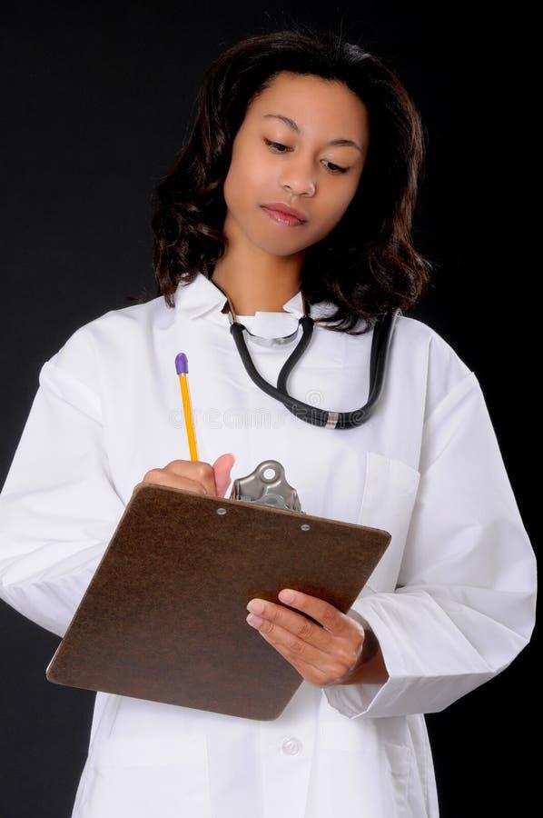 Enfermeira encantadora do doutor 0r do americano africano fotos de stock royalty free