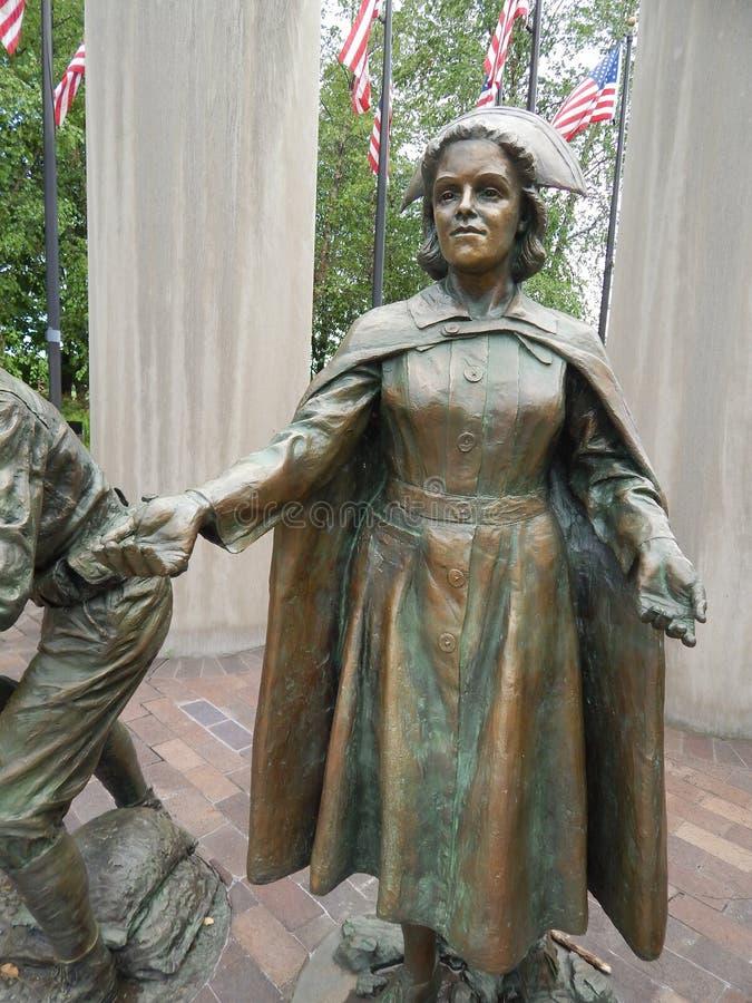 Enfermeira fêmea Statue da segunda guerra mundial fotos de stock royalty free