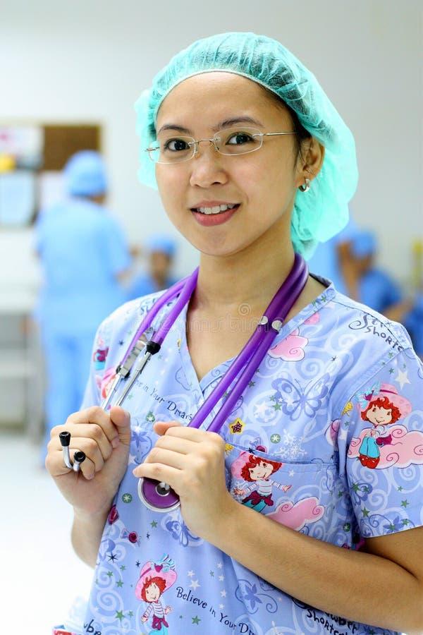 Enfermera de los jóvenes foto de archivo