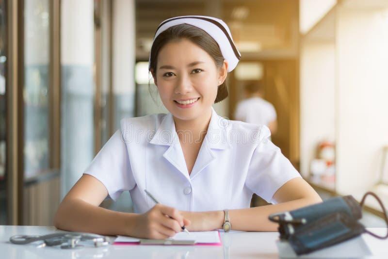 Enfermera en el hospital imagen de archivo