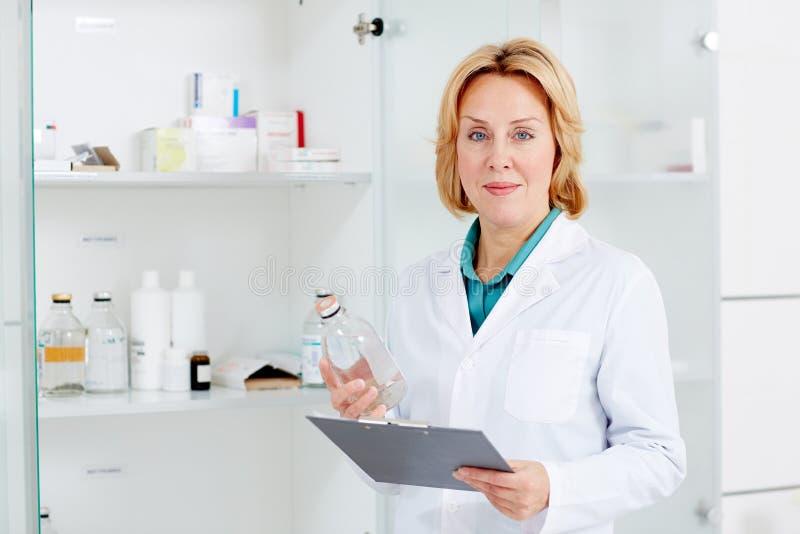 Enfermera en el trabajo imagen de archivo libre de regalías