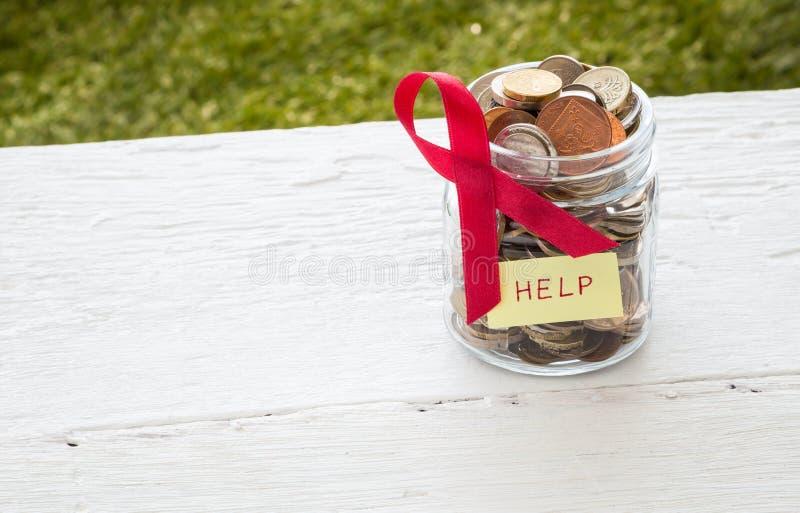 Enfermos de cáncer de la ayuda del dinero foto de archivo libre de regalías