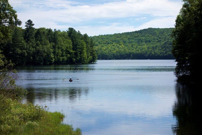 Enfileiramento de Silver Lake imagens de stock