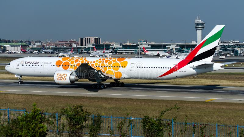 A6-ENG酋长管辖区,波音777-300ER 库存照片