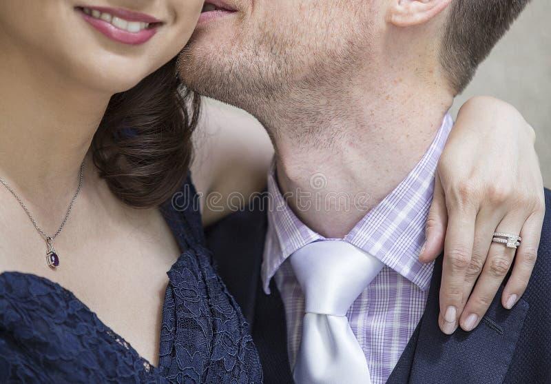 Engagierte Paare lizenzfreies stockfoto